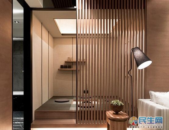 木线条,屏风隔断与素色窗帘充满了日式元素.
