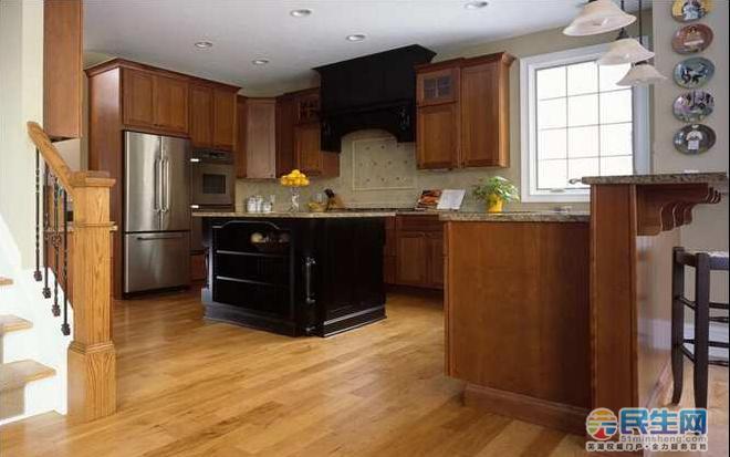 室内铺木地板装修的步骤