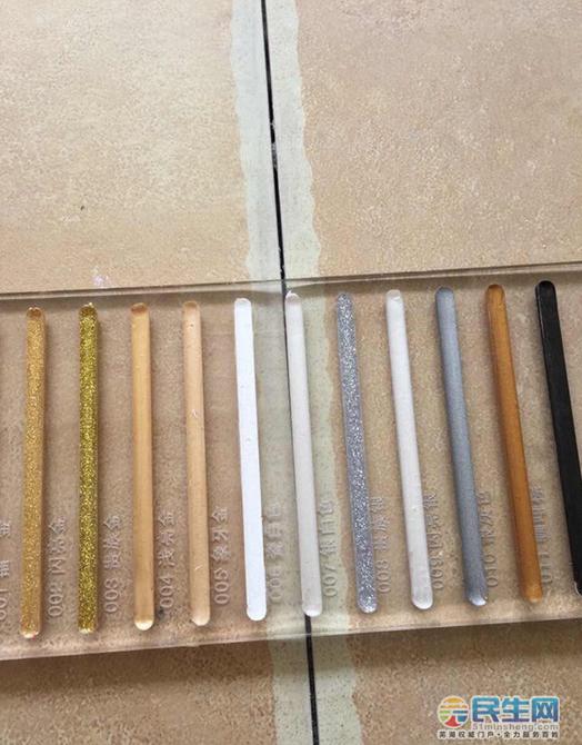 求助:我家的仿古砖用什么颜色美缝剂搭配,大家帮忙看看选什么颜色更搭