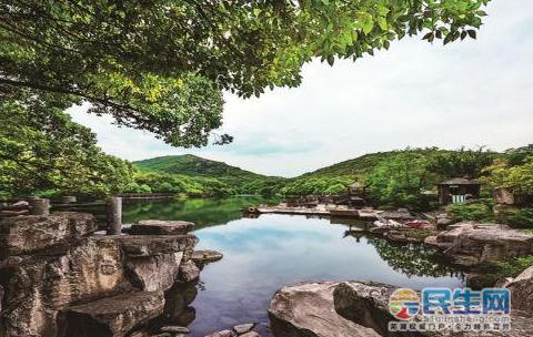 宜兴竹海风景区位于江苏省宜兴市区西南31公里的湖滏镇境内,是
